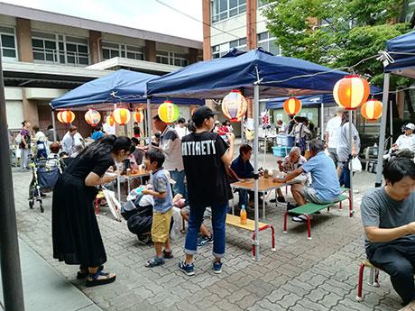 昨年夏に行われた地域のお祭り